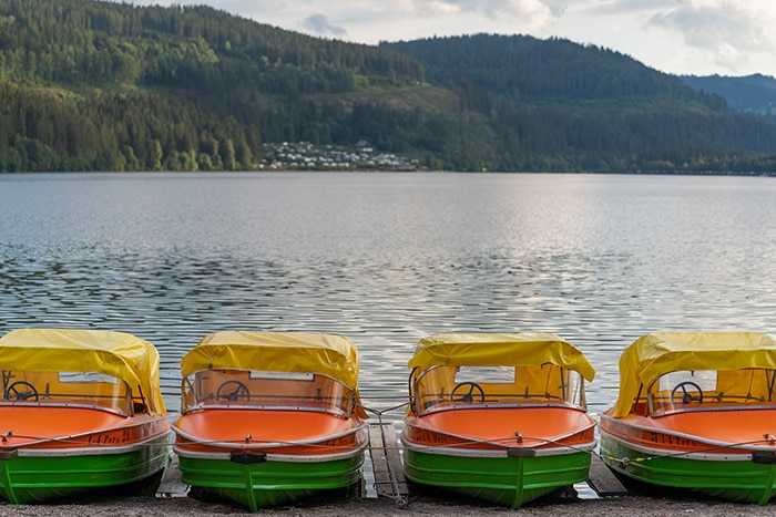 titisee-seeufer-boote